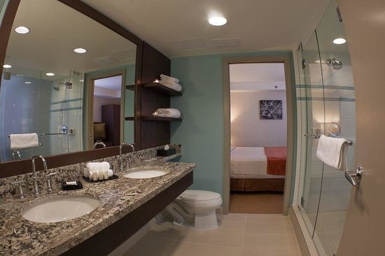 Aava Whistler Hotel: Executivesuitebathroom Aavahotel Barker