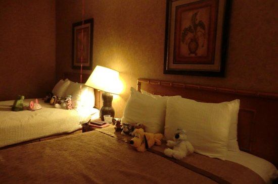 BEST WESTERN PLUS Park Place Inn - Mini Suites: Housekeeping were excellent - not just great cleaning, but arranged toys so nicely