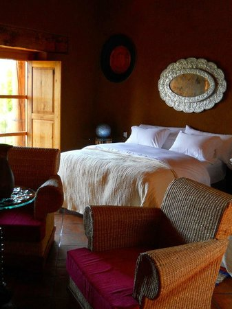 Tzintzuntzan, Mexico: All rooms are full of natural light, color and good energy.