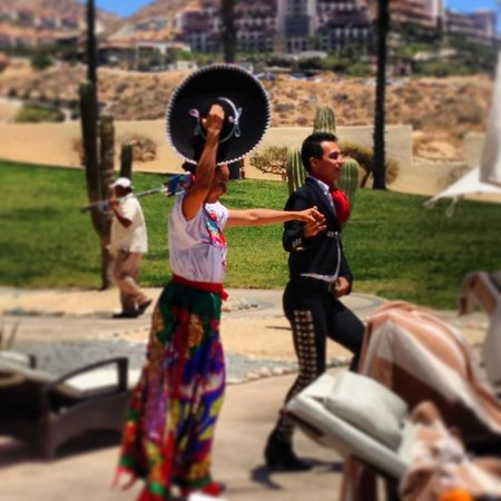 Pueblo Bonito Pacifica Resort & Spa: mexican show