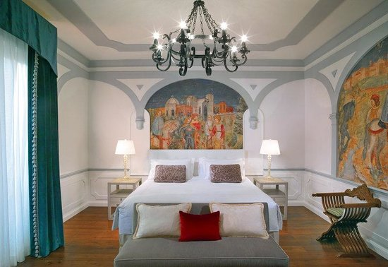 The St. Regis Florence: Premium Deluxe Florentine Style Guestroom