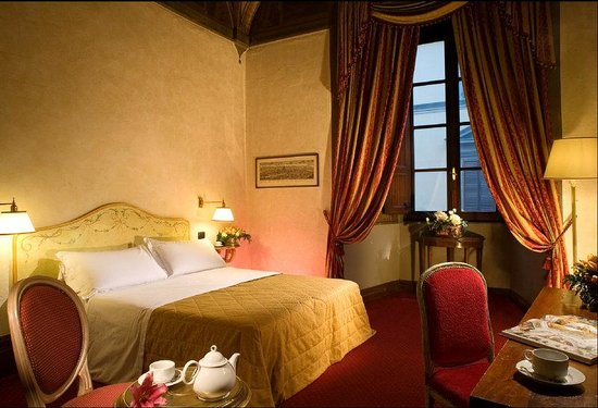 Paris Hotel: Classic Double Room