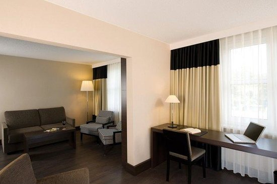 NH Frankfurt Airport: Suite