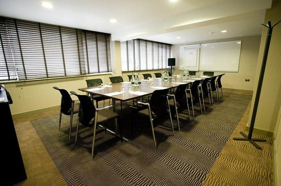 Boardroom at Crowne Plaza Manchester Airport