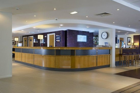Holiday Inn Express London - Hammersmith: Welcome to Reception at our Hammersmith hotel