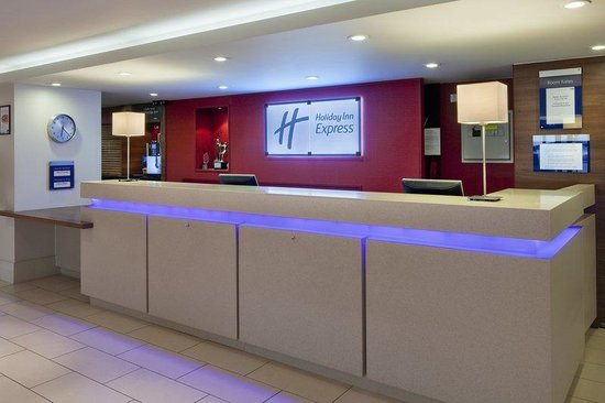 Holiday Inn Express Northampton M1, Jct 15: Welcome to Reception at our Northampton hotel