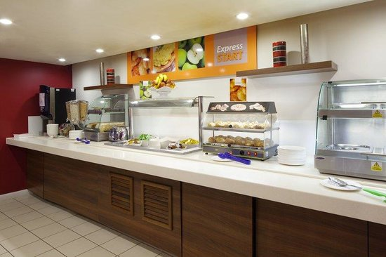 Holiday Inn Express Northampton M1, Jct 15: Guests enjoy free breakfast at our Northampton hotel