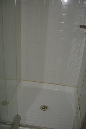 Chirnside Park, Australia: Shower recess