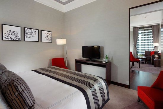 Swissotel Metropole Geneva: City Suite - Bedroom