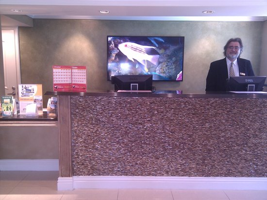 Quality Inn & Suites - Anaheim Resort: Very nice new lobby!