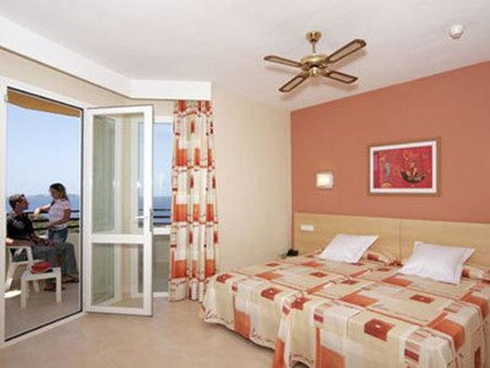 Fiesta Hotel Tanit: Guest Room