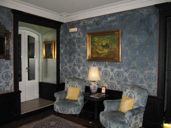 Pestana Palace Hotel & National Monument: Front desk area