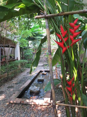 Shewe Wana Boutique Resort and Spa: gorgeous gardens