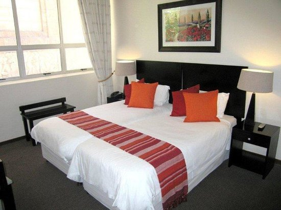 Cape Diamond Hotel : Double Bed A 