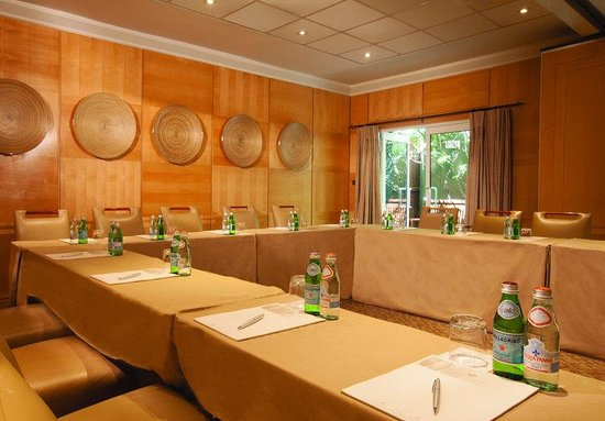 Saxon Boutique Hotel, Villas and Spa: Meeting Room