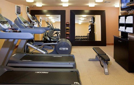Doubletree Hotel Chelsea New York City: Precor Fitness Facillity