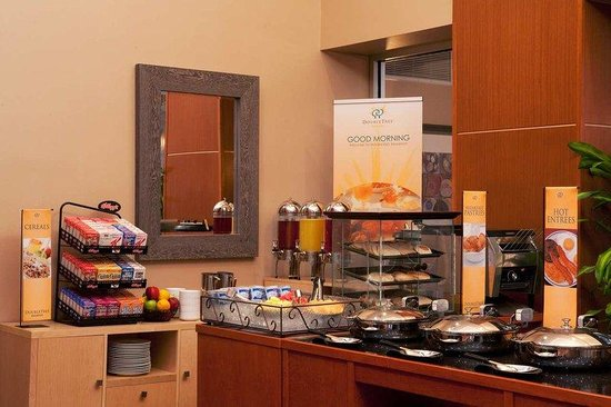 Doubletree Hotel Chelsea New York City: Full American Buffet