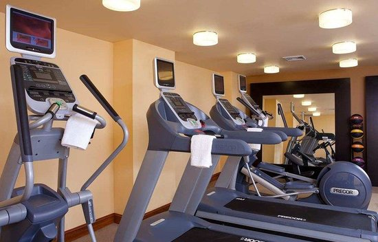 Doubletree Hotel Chelsea New York City: Fitness by Precor