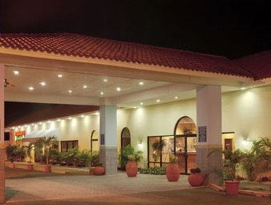 Howard Johnson Ponce PR: Welcome To The Howard Johnson Hotel Ponce