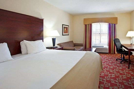 Holiday Inn Express Stuart: King Bed Guest Room
