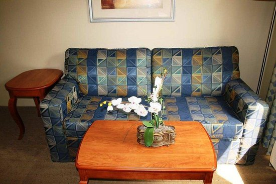 Smithfield, RI: King Sofa Bed Room