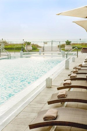 Costa d'Este Beach Resort: Pool
