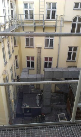 First Hotel Kong Frederik: The dirty courtyard again..