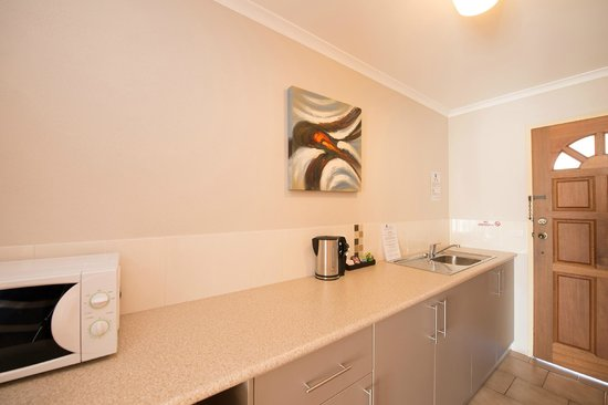 Albury, Australia: Executive Spa Suite Kitchenette