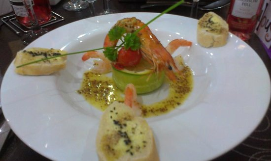 The Kenley: Gorgeous Starter of Plated Prawns