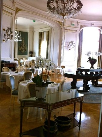 Tiara Chateau Hotel Mont Royal Chantilly: Espace restaurant