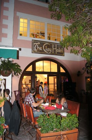 The Clay Hotel: l'entrée de l'hôtel sur espanola way