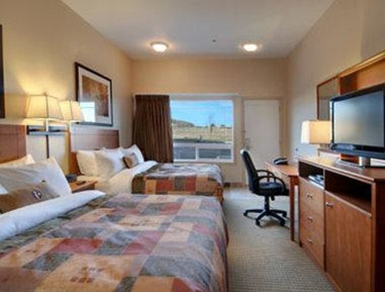 Drayton Valley, Canada: Standard Two Queen Bed Room