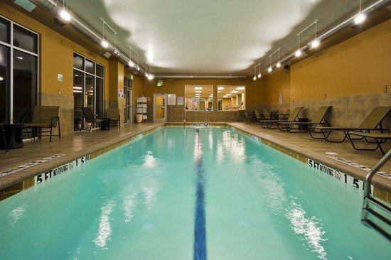 Holiday Inn San Antonio NW - Seaworld Area: Stay active while away with our extensive pool and fitness center
