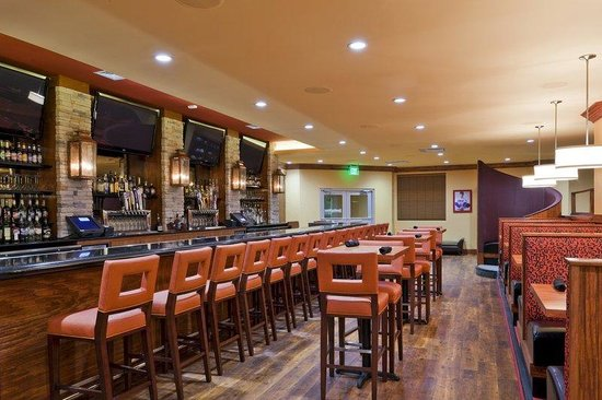 Holiday Inn San Antonio NW - Seaworld Area: The Sporting News Grill has it all for any sports enthusiast.
