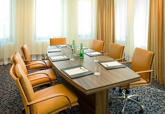 Courtyard by Marriott Vienna Messe: Executive Boardroom