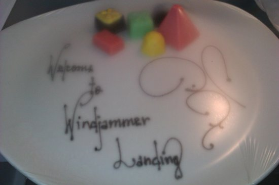 Windjammer Landing Villa Beach Resort : Welcome chocolates