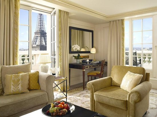 Shangri-La Hotel Paris: Eiffel Premier Suite