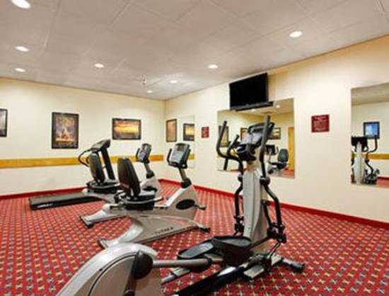 Ramada Grand Dakota Lodge: Fitness Center