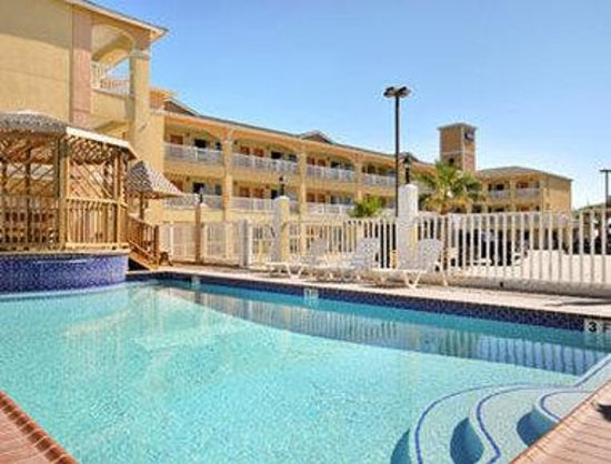 Travelodge Galveston: Pool