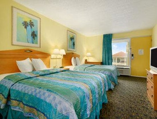 Travelodge Pensacola Beach: Standard Two Double Bed Room