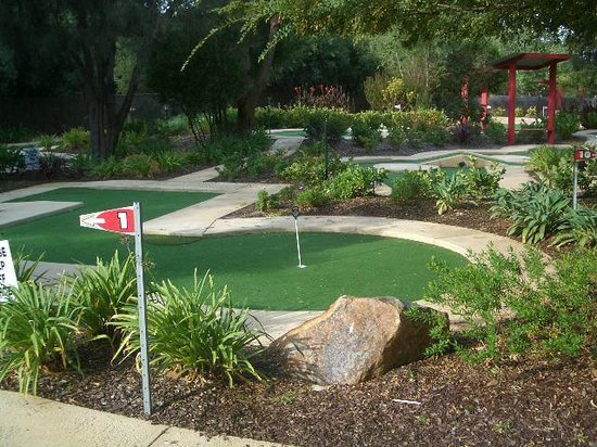 Dunsborough, Australia: Crazy Golf