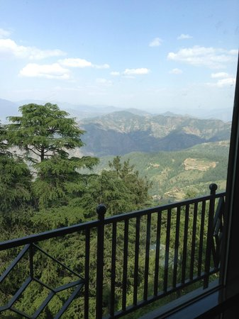 Wildflower Hall, Shimla in the Himalayas: View from mountain facing room