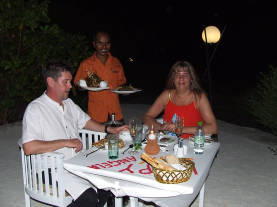 Chaaya Lagoon Hakuraa Huraa: hill top dinner