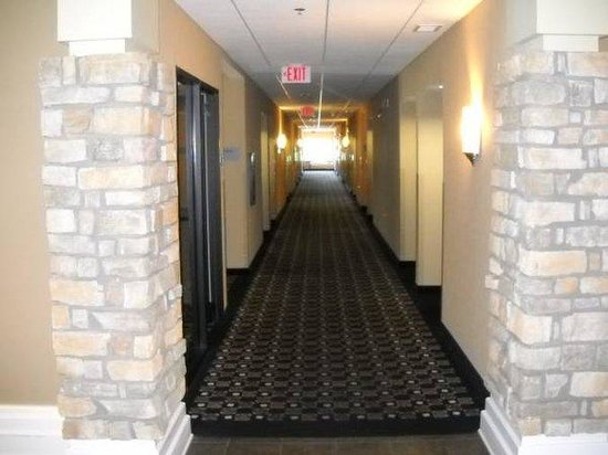 Holiday Inn Hotel & Suites St. Paul NE - Lake Elmo: Hallway