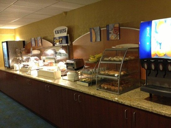 Holiday Inn Express Hunt Valley: Breakfast Bar