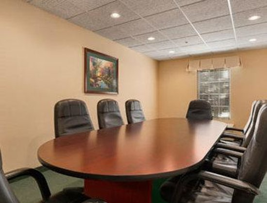 Baymont Inn & Suites Henderson/Oxford: Meeting Room
