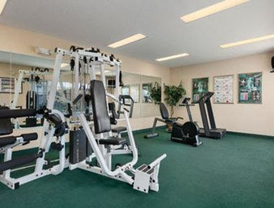 Baymont Inn & Suites Henderson/Oxford: Fitness Room