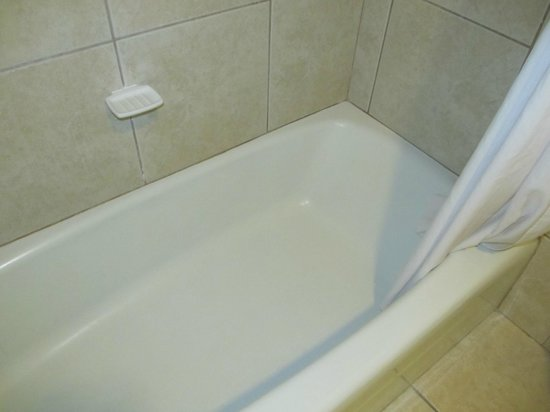 Days Inn Orlando / Airport / Florida Mall: tub/shower