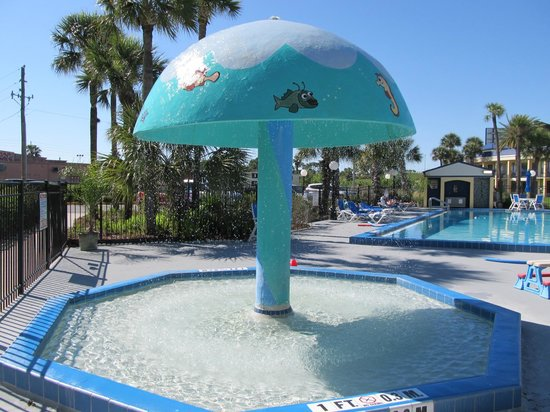 Days Inn Orlando / Airport / Florida Mall: kiddy pool area
