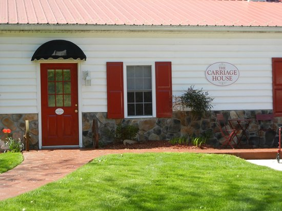 Pleasant View Farm Bed and Breakfast Inn : The Carriage House
